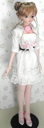 デフォルトのドレスを着てみた by.DDユミ